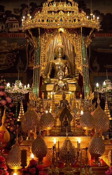 "Wat Pathum Wanaram. Bangkok. 15"" x 24"""
