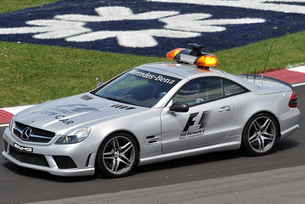 AMG SL 63 F1 Safety Car.jpg