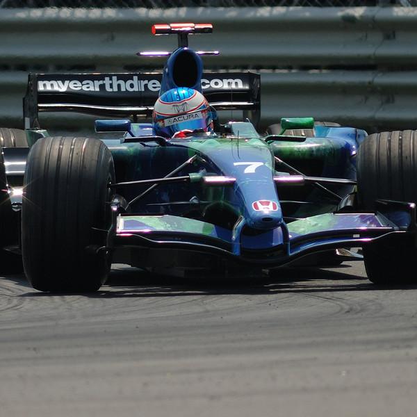 "Jenson Button in the ""Air Pin"" / Button dans l'épingle."