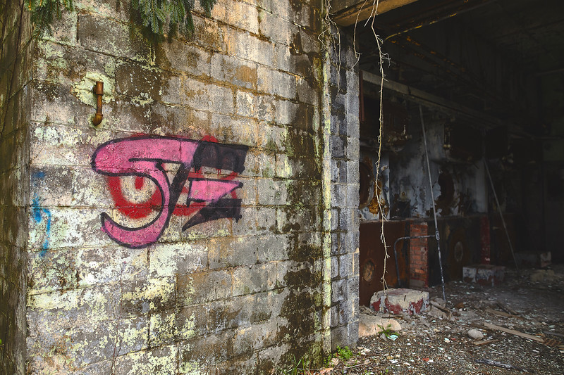 Abandoned-Spaces-5O0A4064.jpg