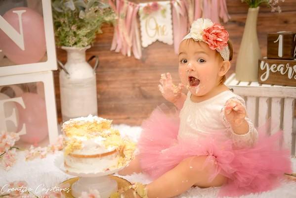 Creative Captures 1st Birthday Cake Smash Sessions