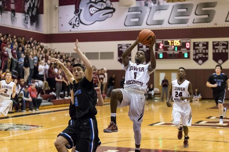 LMHS_boys_Basketball_vs_CBS-14.jpg