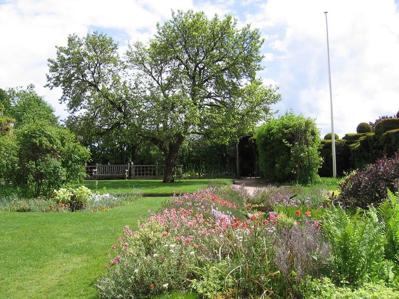 The gardens at Nash House, Stratford-on-Avon