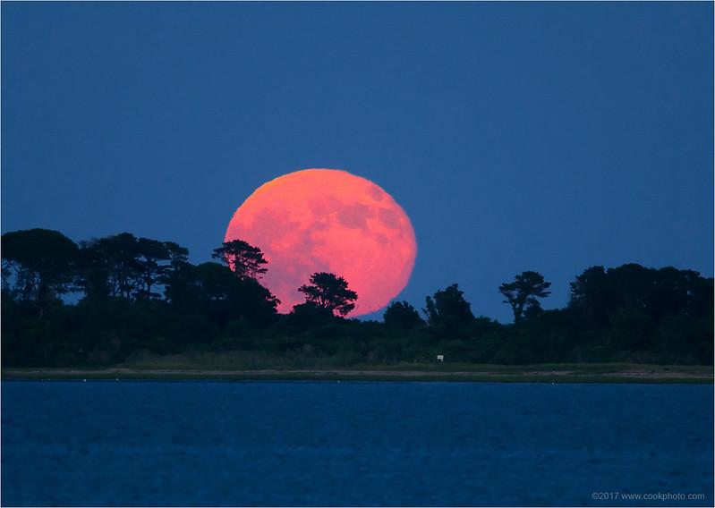 moonrise-070917.jpg