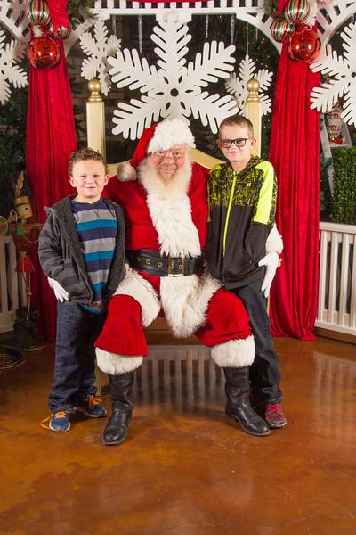 Santa 12-16-17-353.jpg