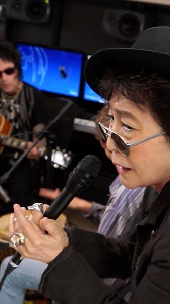 Yoko (2).jpg
