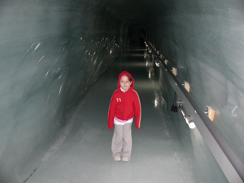 15-jungfrau-ice-cavern.jpg