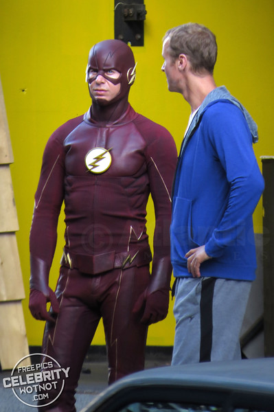 """Grant Gustin Wears A """"Stunts Canada� Vest With Stunt Double Film Stunt Scenes For The Flash"""