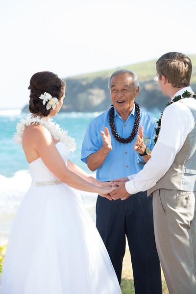 gillin beach kauai wedding-83.jpg