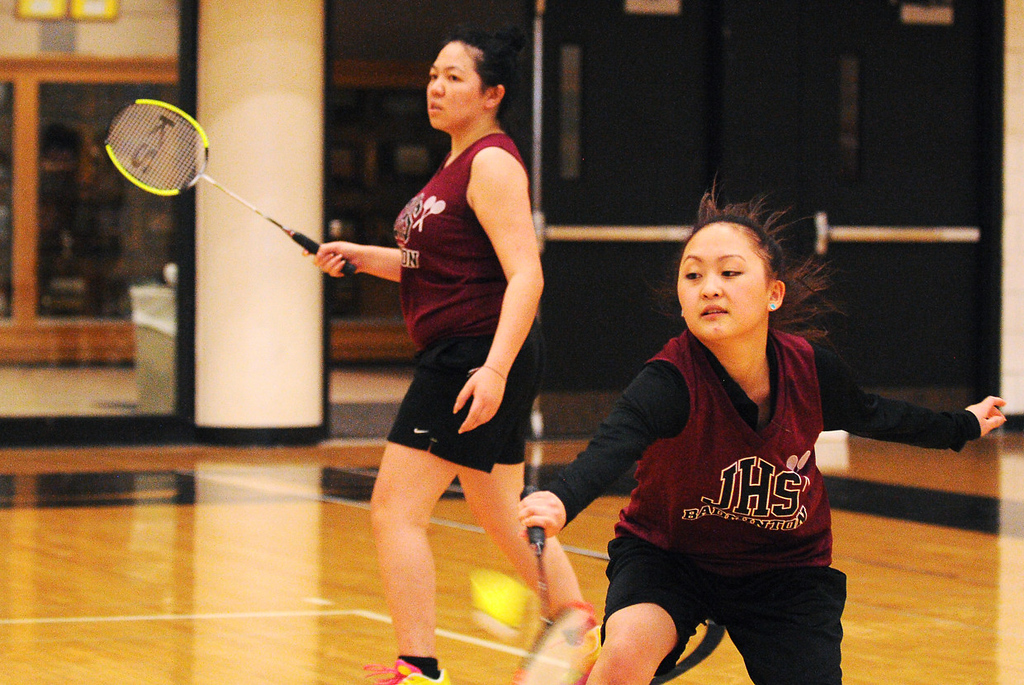 . Johnson seniors Coua Lee, left, and Jenny Vang in action against Harding. (Pioneer Press: John Autey)