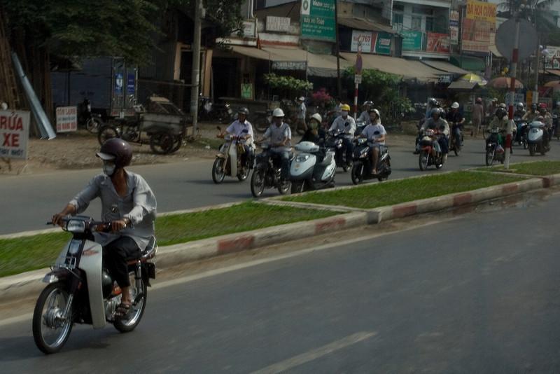 Saigon Traffic 2.jpg
