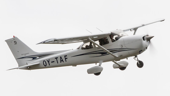 OY-TAF - Cessna 172S Skyhawk SP