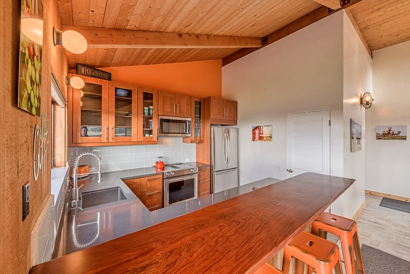 Kitchen with Counter & Bar Stools