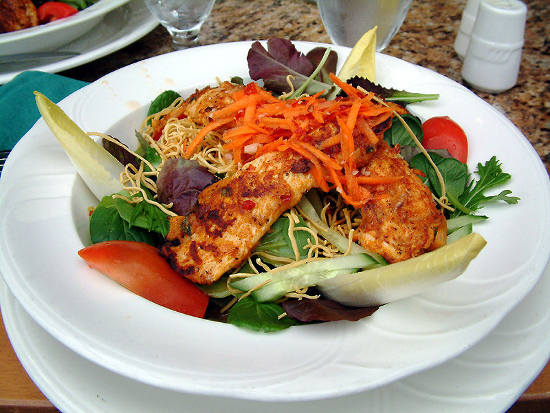 Lunch at the Hollyburn - Thai Chicken Salad.jpg