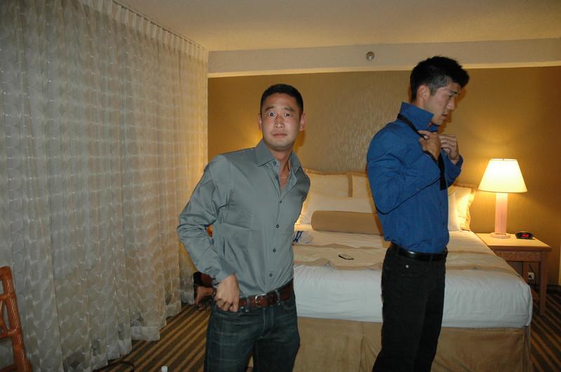 Hawaii - Friends Hotel Party-2.JPG