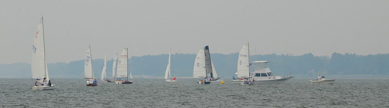 Boats circling the starting line.