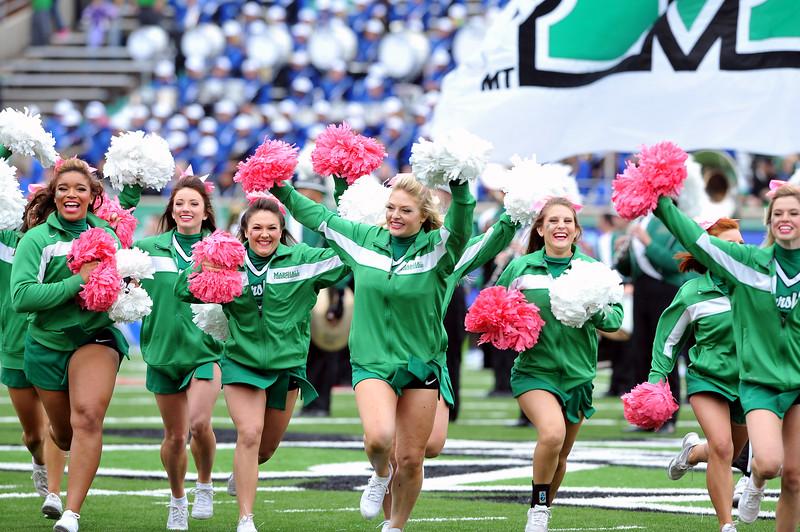 cheerleaders9421.jpg