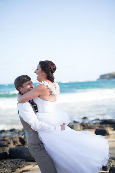 gillin beach kauai wedding-146.jpg