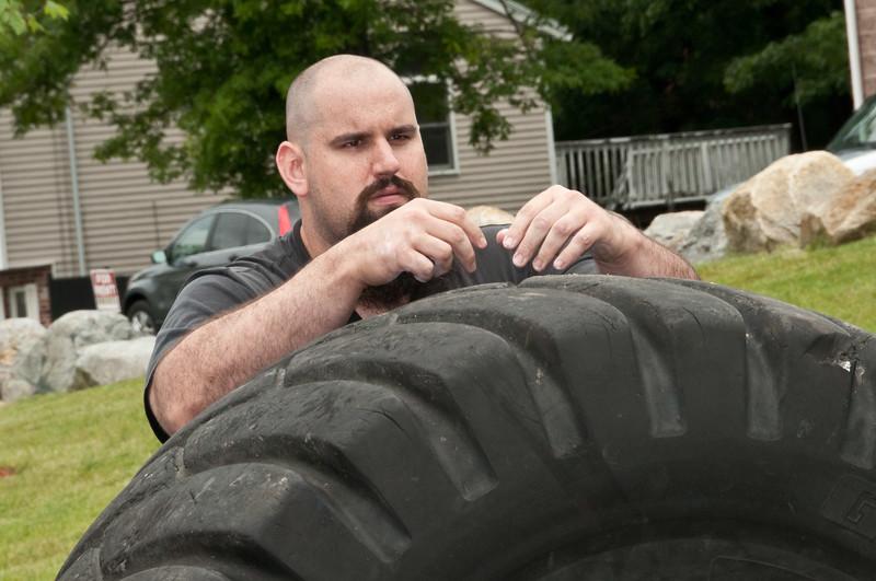 Fitness Revolution Strongman Challenge 2011_ERF4108.jpg