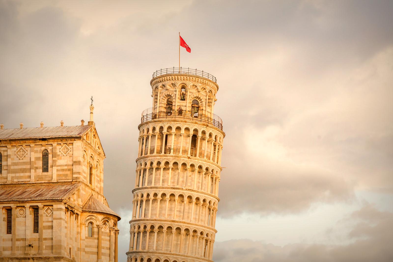 意大利比萨斜塔,看点不是塔