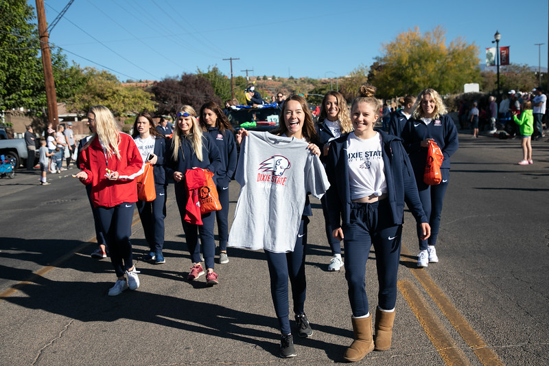 HOMECOMING PARADE 2019-1437.jpg