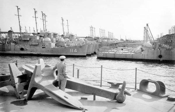 shipyards 1958-1.jpg