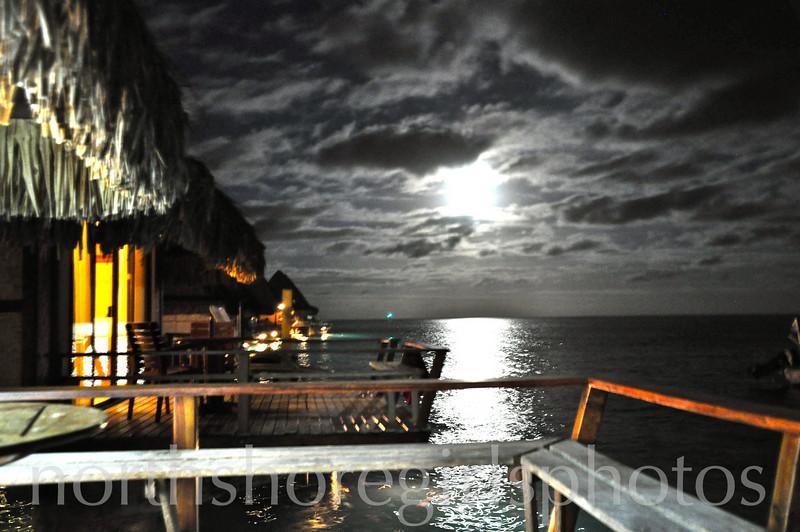 Raiatea Moonset