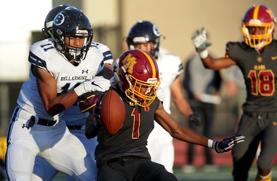 Football: Menlo-Atherton too much for Bellarmine to handle