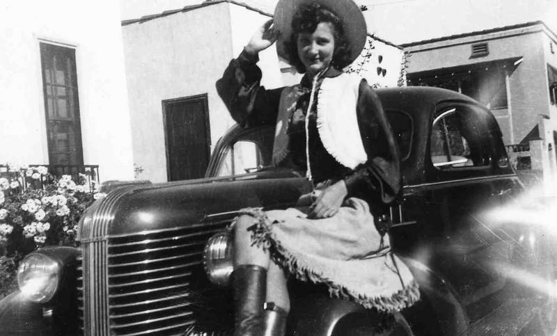 Grandma Jean O'neal 1941.jpg