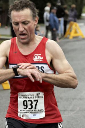 2005 Comox Valley Half Marathon - ComoxHalf2005-Al-Livsey-103.jpg