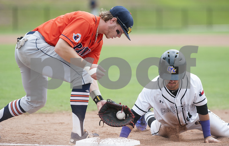 051917_UT_Baseball_03web