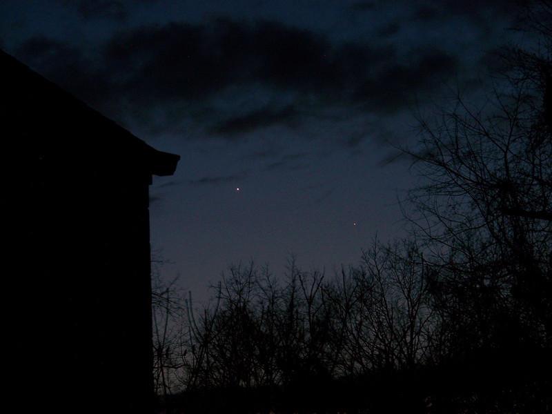 Planetarium room is to the left at Mingo Creek OBs & Planetarium. Venus and fainter Mercury visible in the sky on sat April 2, 2010.