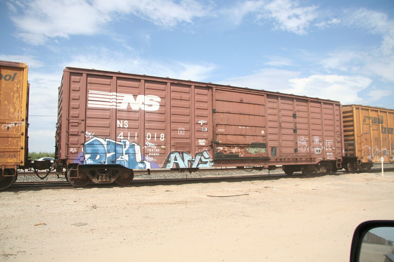 NS411018.JPG