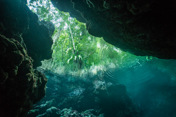 Wrecks, Caves and Caverns