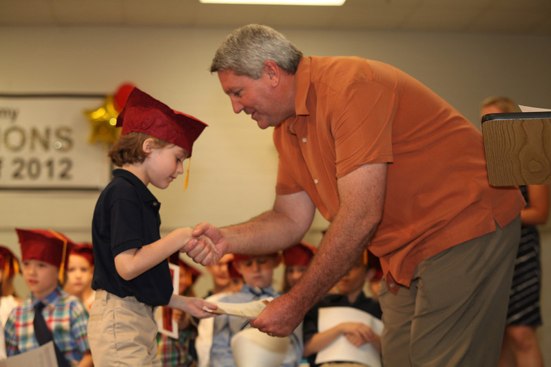 2012May18_MTA Kinder Grad_9746.JPG