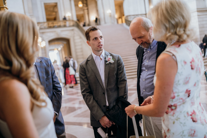 2018-10-04_ROEDER_EdMeredith_SFcityhall_Wedding_CARD1_0145.jpg