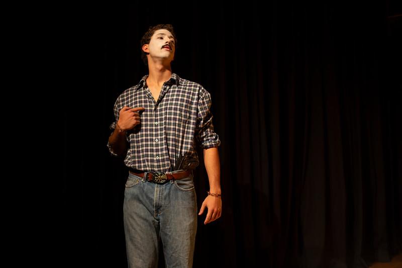 Allan Bravos - essenCIA Teatro - Persona 07-154.jpg