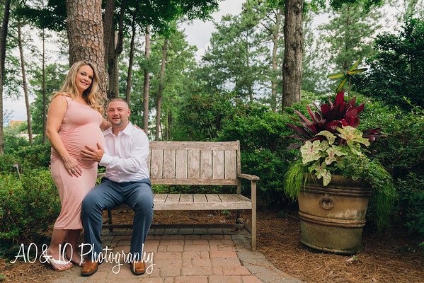 Stacey & Josh Maternity Session