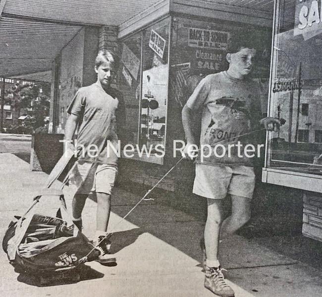 Newspaper boys.jpg