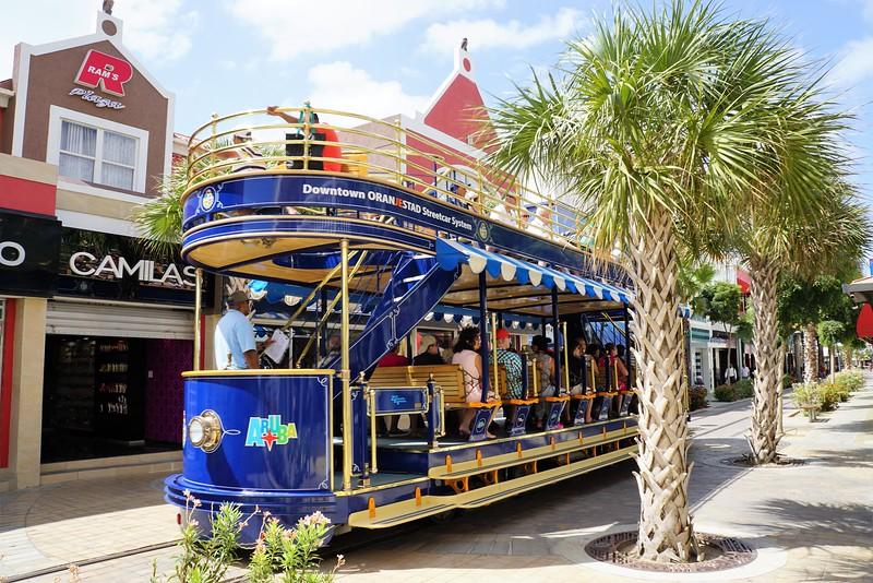 Aruba trolley 16.jpg