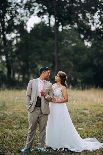 BRETT & CARMEN WEDDING PREVIEWS-107.JPG