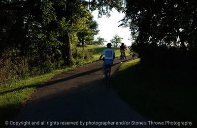 015-bike_path_biker-wdsm-14aug05-8111