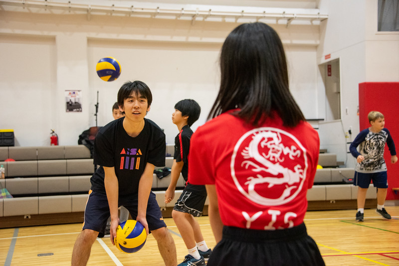 PE Leadership-Gr12 and Gr6 Volleyball Workshops-YIS_2551-2018-19.jpg