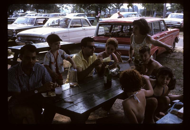 1966 Family_291.jpg