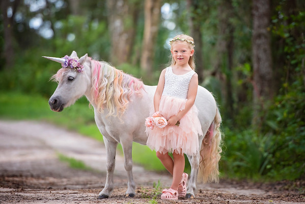 Unicorns August 2021 - Folk Vizek