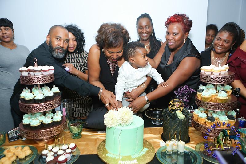 MAXINE GREAVES BIRTHDAY DINNER CELEBRATION 2020R-3111.jpg