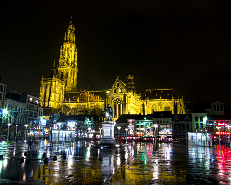 antwerpcathedralnight.jpg