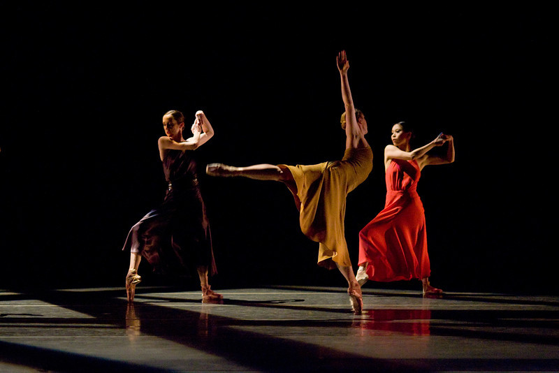 """Alison Roper, Kate Oderkirk and Makino Hayashi in Matjash Mrozewski's world premiere of """"The Lost Dance.""""  Performed as part of """"Chromatic Quartet,""""  spring, 2012."""