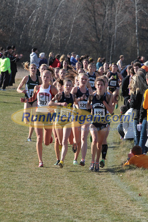 Women at 2500m mark - 2013 NCAA Division I Great Lakes Region Cross Country Championships