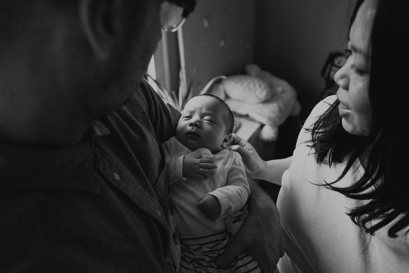 AlecMillsPhotographer-SeattleNewbornPhotographer-EverettChevcheck-7.jpg